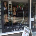 Professioneel hoofdhuid- en haaradvies? Boek snel een Gratis Hoofdhuid – en Haaranalyse t.w.v. € 25.00 bij een van onze ervaren haarspecialisten.